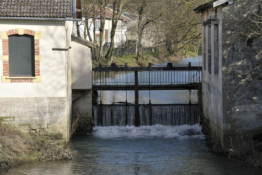 """Le """"déversoir"""" et l'ancien moulin de  Vilosnes-Haraumont"""