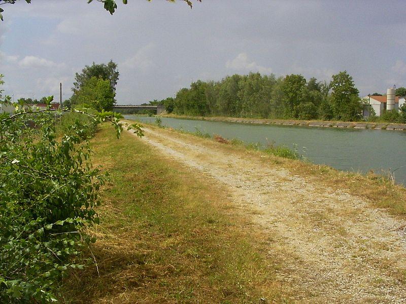 Vitry-le-François, begin van het kanaal langs de Marne
