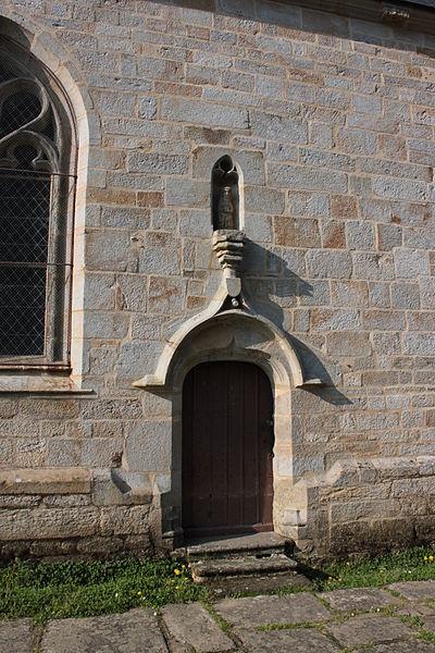 Chapelle Sainte-Anne (XVI° siècle), porte est, Fr-56-Saint-Dolay.