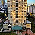 Waikiki view - panoramio.jpg