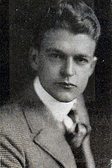 Wallace MacDonald 1916.jpg