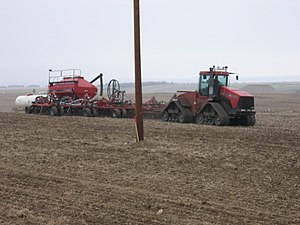 Case STX Steiger - Case STX tractor pulling a large seed drill combination