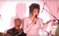 Whitney Houston performs at state dinner for Mandela in 1994.png