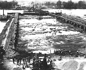 Wilson Dam - Image: Wilson Dam Construction in 1919 2