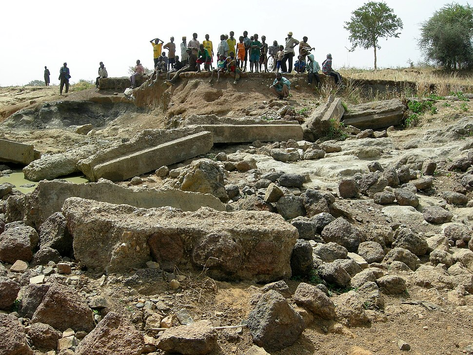 Wreckage of a dam (Dourtenga, 2008)