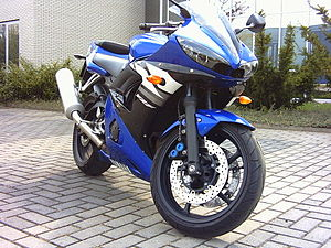 Yamaha YZF-R6 (2003)