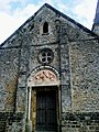Yvelines Choisel Eglise Porche - panoramio.jpg