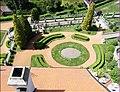 Část zámecké zahrady z věže - panoramio.jpg