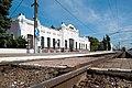 Здание железнодорожного вокзала - вид с путей.jpg