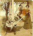 К. Г. Стеценко з дружиною та дітьми у Білій Церкві 01.jpg