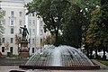 Фонтан и памятник Петру Великому.JPG