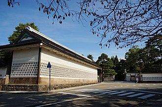 Seisonkaku - Tatsumi-nagaya and main gate