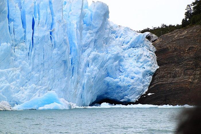 151 - Glacier Perito Moreno - Zone d'abrasion latérale - Janvier 2010.JPG