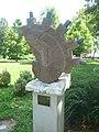 180729 Balatonalmádi szoborpark Szabó Hunor Fosszília.jpg