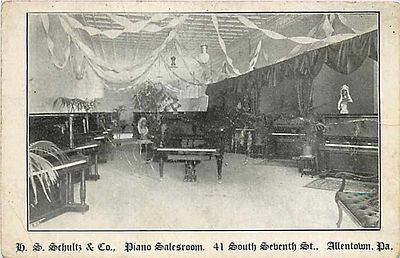The H.S. Schultz Piano Store in 1905. 1905 - H S Schultz Piano Store Interior.jpg