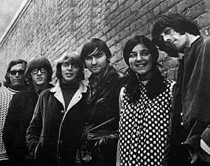 Jefferson Airplane - The group in 1966 after Spencer Dryden replaced Skip Spence on drums,