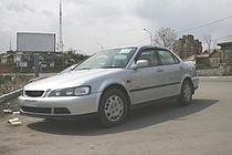 1997 Isuzu Aska sedan 01.jpg