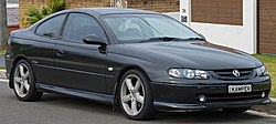 2001-2002 Holden Monaro (V2) CV8 coupe (2010-09-19) 01.jpg