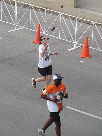 Joggling - 2007 Chicago Marathon