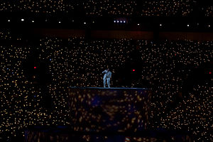 K.d. lang - k.d. lang performing Leonard Cohen's Hallelujah at the 2010 Winter Olympics opening ceremony