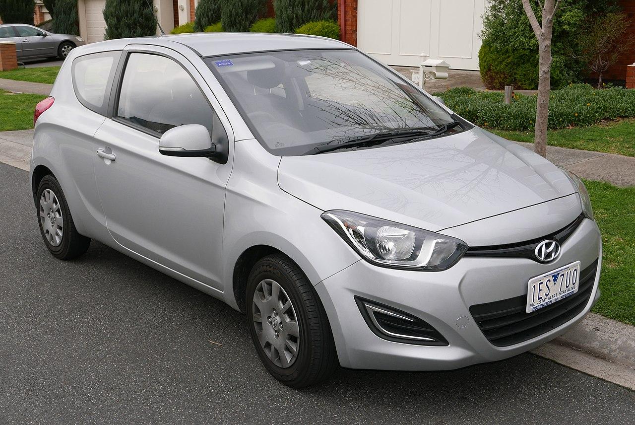 File:2013 Hyundai i20 (PB MY14) Active 3-door hatchback (2015-08 ...