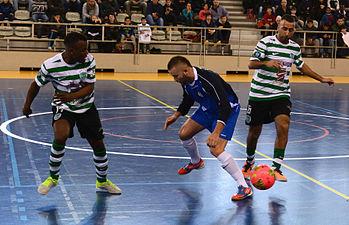 2015-02-28 16-19-40 futsal.jpg
