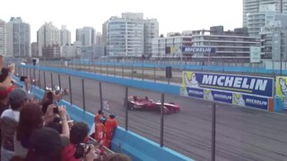 Fichier:2015 Punta del Este ePrix - Video - First lap.webm