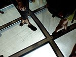 201708 cn tower glass floor 05.jpg