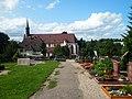 2017 08 20 Offenburg Weingartenkirche Suedansicht mit Friedhof.jpg