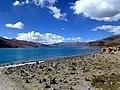 4,250m Yamdrok Tso Tibet China 西藏 羊卓雍湖 - panoramio.jpg