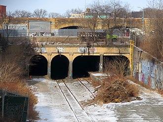 East New York station - Abandoned platform on the Bay Ridge Branch