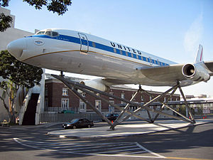Exposition Park (Los Angeles) - A Douglas DC-8 near the Air and Space Exhibits Gallery