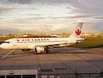 Airbus A320-211 @ YUL (2517827754).jpg