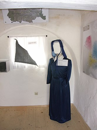 Anabaptist Museum (Austria) - Typical costume of Hutterite women.