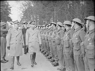 I Corps (Polish Armed Forces in the West) - King George VI and General Władysław Sikorski, Prime Minister of the Polish Government-in-Exile, inspecting a guard of honour of the 1st Polish Corps at Glamis, Scotland, 8 March 1941.
