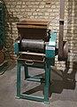 Amandelwrijfmachine , Onbekend, Bakkerijmuseum Veurne, Bakkerijmachine, 3984.jpg