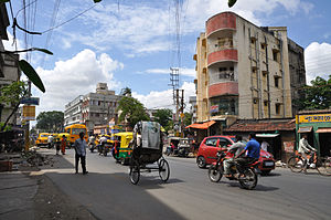 Sodepur - Amarabati More is a busy crossing on 6 no. Barasat road at Sodepur.