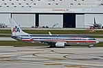 American Airlines N926AN Boeing 737 5538 (31301885353).jpg