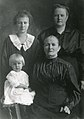Anna Truedsotter Hansen 4 generations c 1920.jpg