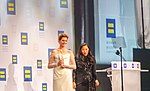 Anne Hathaway @ 2018.09.15 Human Rights Campaign National Dinner, Washington, DC USA 06194 (43805104245).jpg
