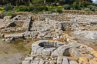 Phaistos - Image: Archaeological site Phaistos detail