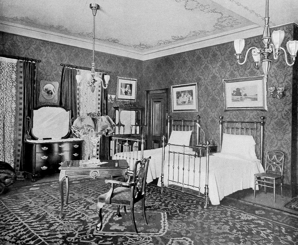 Astoria double bedroom