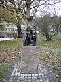 Astrid Lindgren i Tegnérlunden. Peter och Petra bor i Vasaparken. Vi tillhör småfolket sa Petra. 1996. Majalisa Alexanderson.JPG