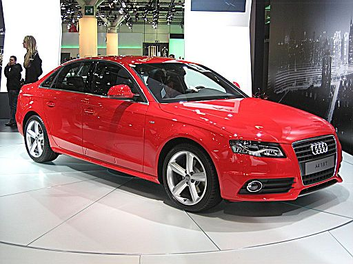 Audi A4 Front-view
