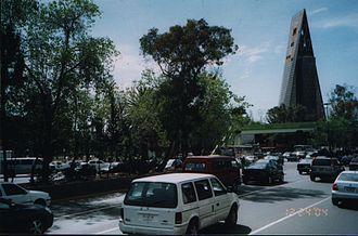 Avenida de los Insurgentes - Avenida de los Insurgentes and the Torre Insignia