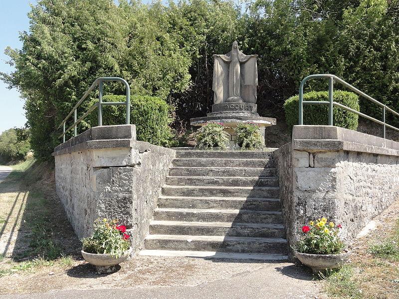 Avocourt (Meuse) statue