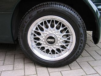 BBS Kraftfahrzeugtechnik - BBS forged aluminium cross-spoke wheel from a 1992 Mazda MX-5