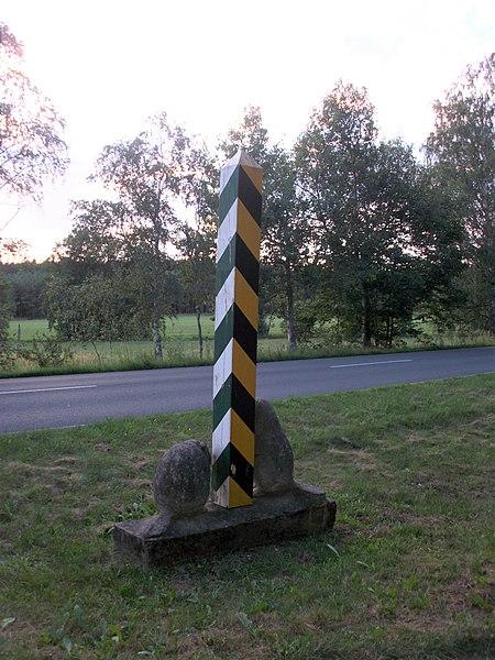 File:Bad Düben Landesgrenze Sachsen zu Sachsen-Anhalt (1).jpg