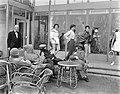 Badpakkenshow bij Hotel Bouwens te Zandvoort, Bestanddeelnr 907-6886.jpg