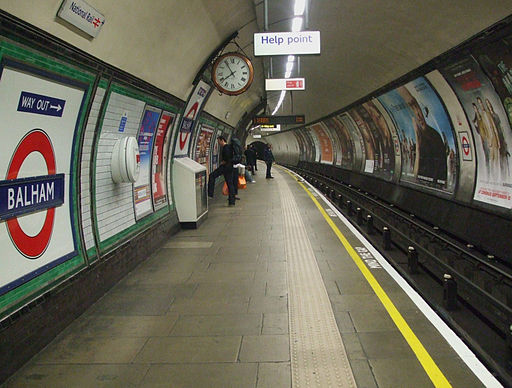 Balham tube stn southbound look north